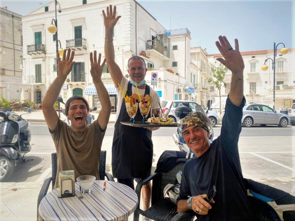 Franco e Andrea Antonello a Vieste, contro l'autismo anche in vacanza Il Giu 23, 2021